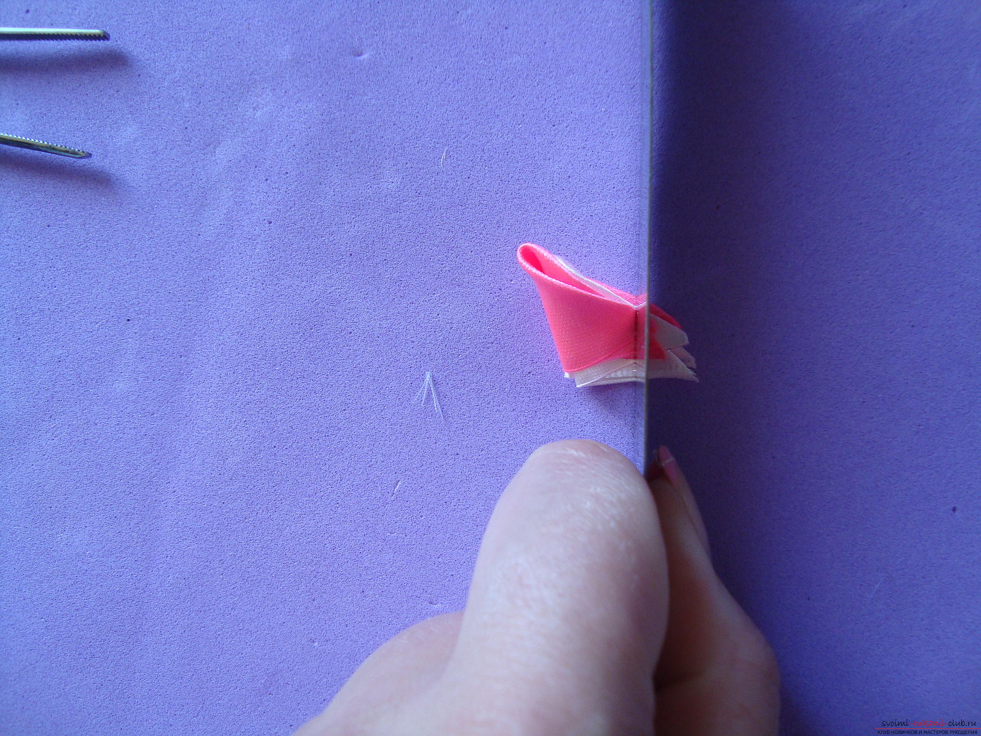Hairpin from the tape with your own hands. How to make a hairpin of ribbons