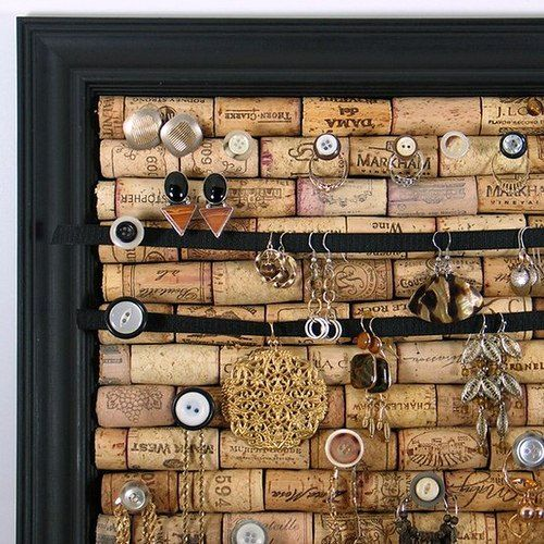 ideas for storing jewelry with your own hands - a board of cork