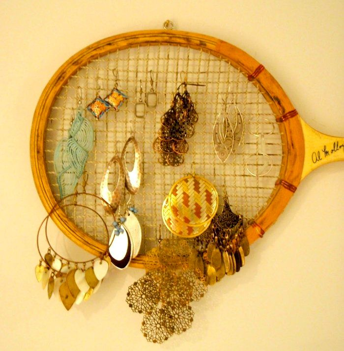 organizer for earrings from a racket