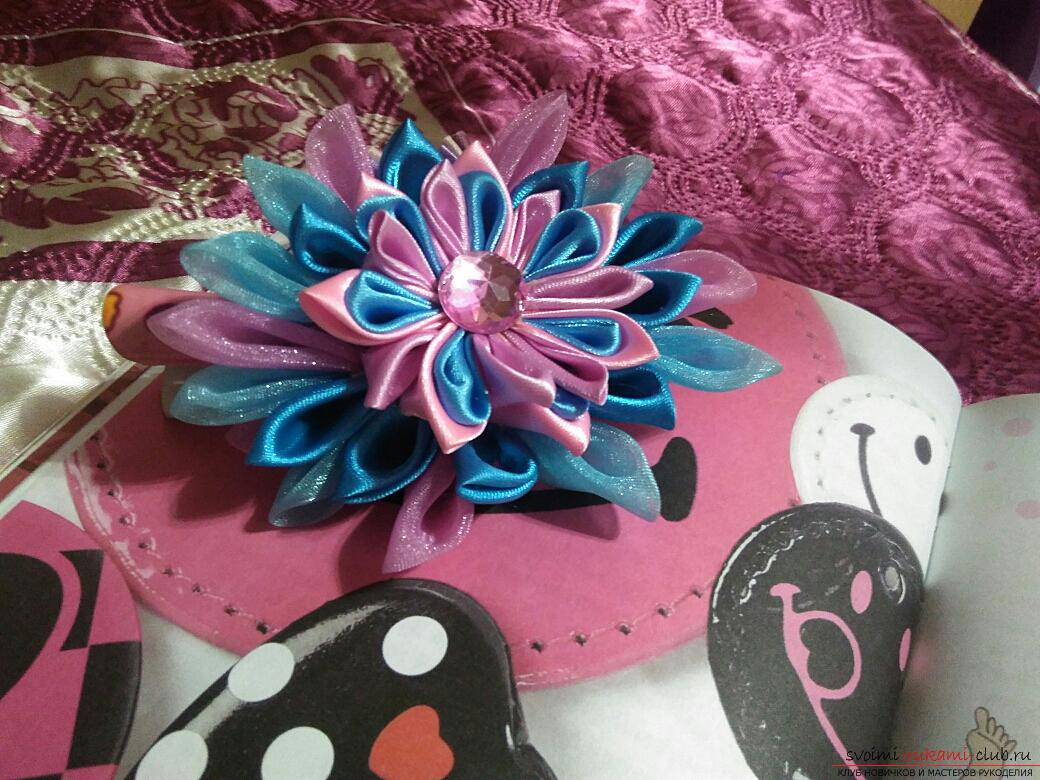 Kanzashi: a hairpin in the shape of a lotus. Photo # 2