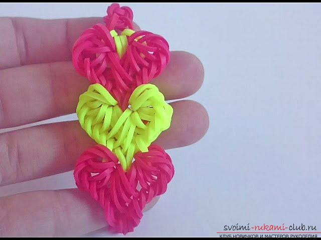 How to weave a bright bracelet from the rubber bands to Valentine's Day with your own hands. Photo №1