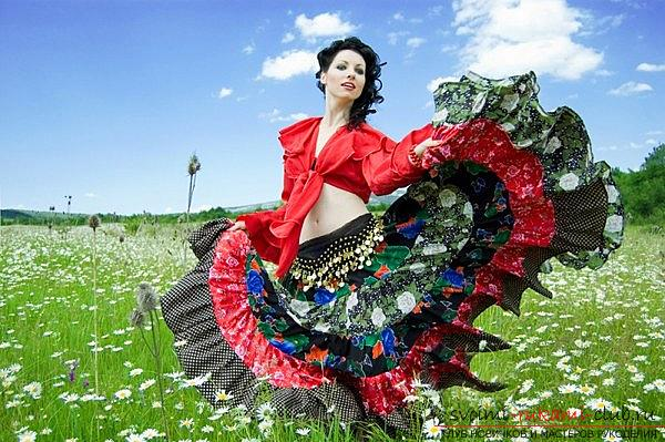 Bright gypsy skirt with your own hands with a pattern. Picture №3