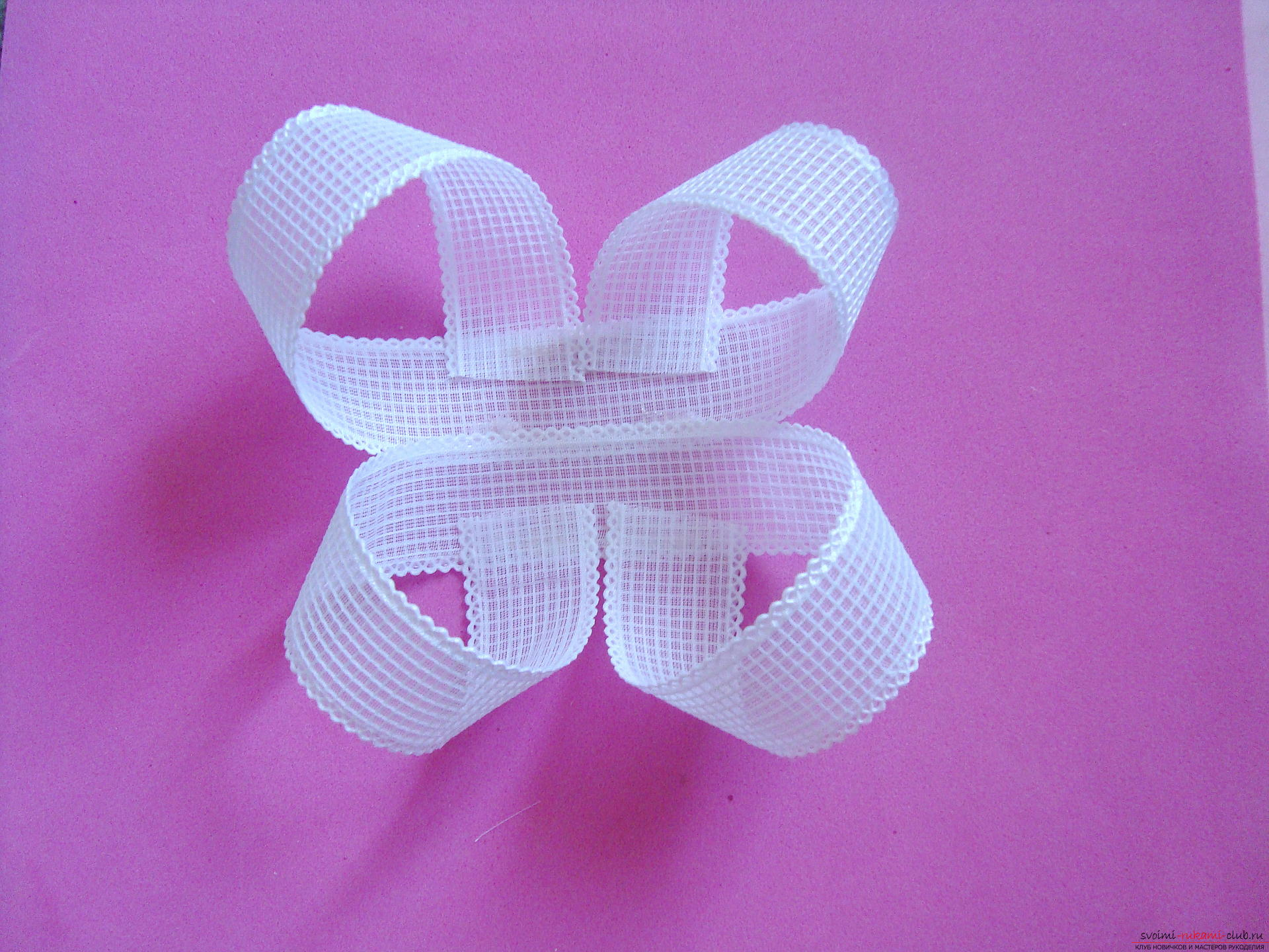 Step-by-step guide to making bows by September 1 for schoolgirls describing the steps and photos. Photo №8