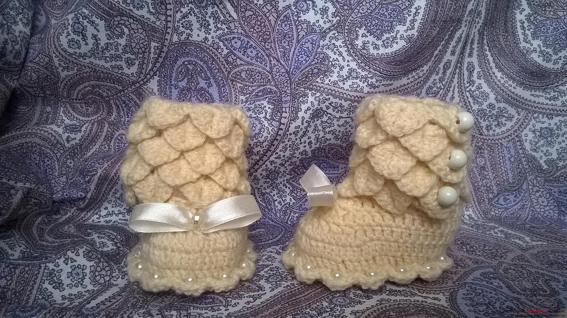 This master class with a description, a diagram and a video will teach how to knit booties crocheted .. Photo # 38