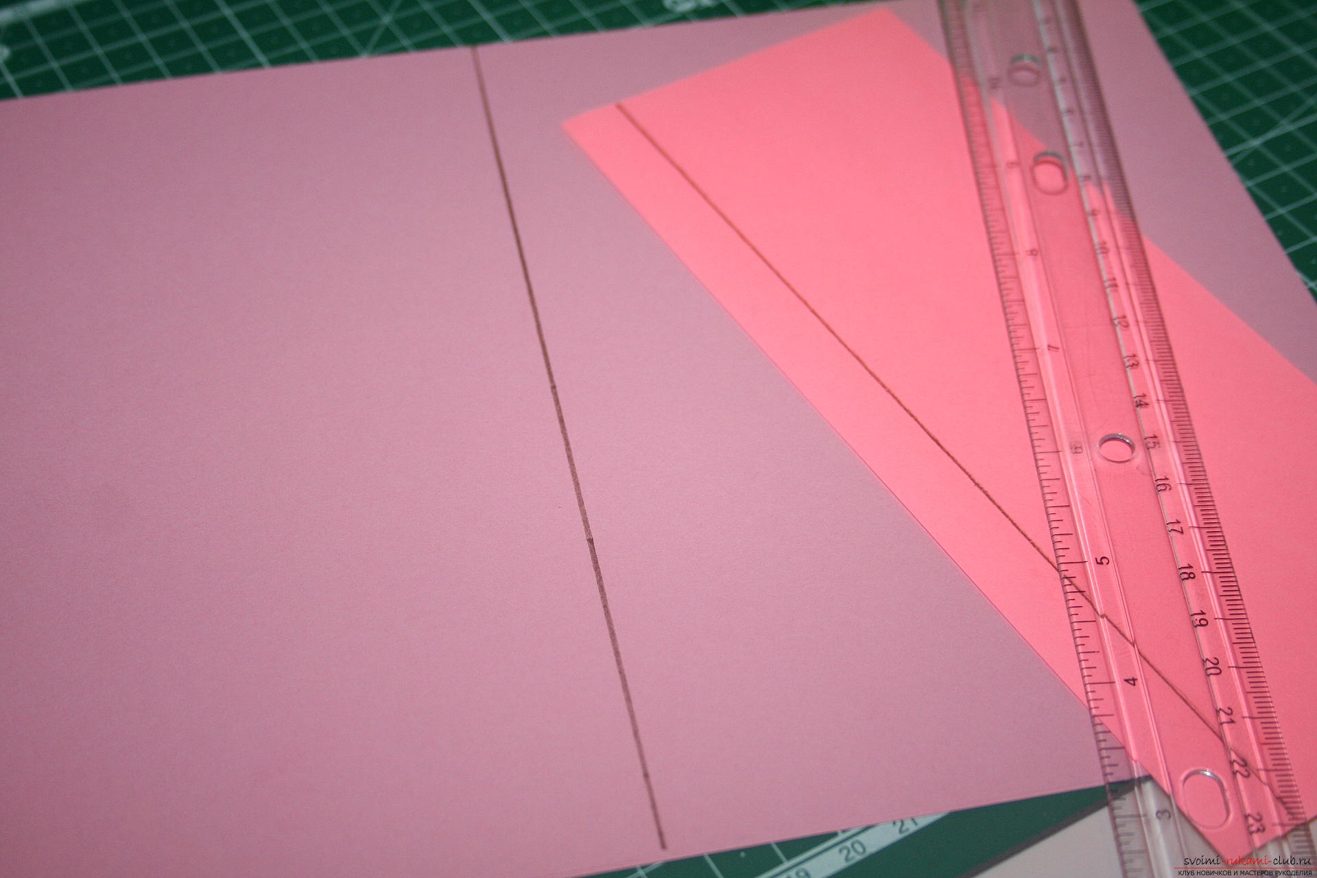 This master class will teach you how to make an original gift for the New Year - scrapbooking notebook. Photo №6