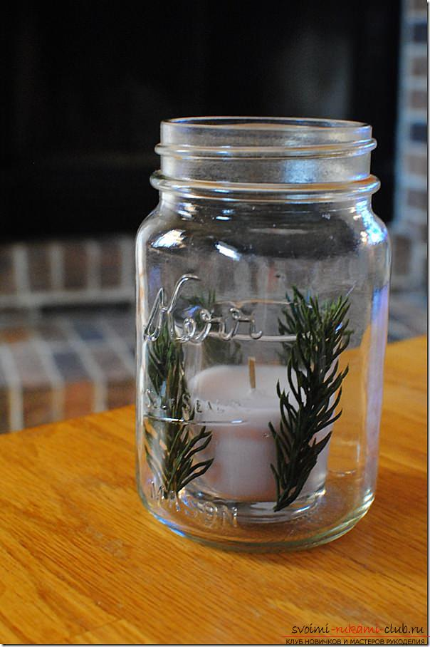 Creating bright and unusual central compositions for the New Year's table, how to make a decorative jar with a candle, creating a central composition with candles and a coniferous wreath .. Photo №11