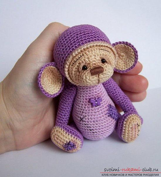Master class on crocheting monkey amigurumi Abu with his hands with a detailed description. Photo number 12
