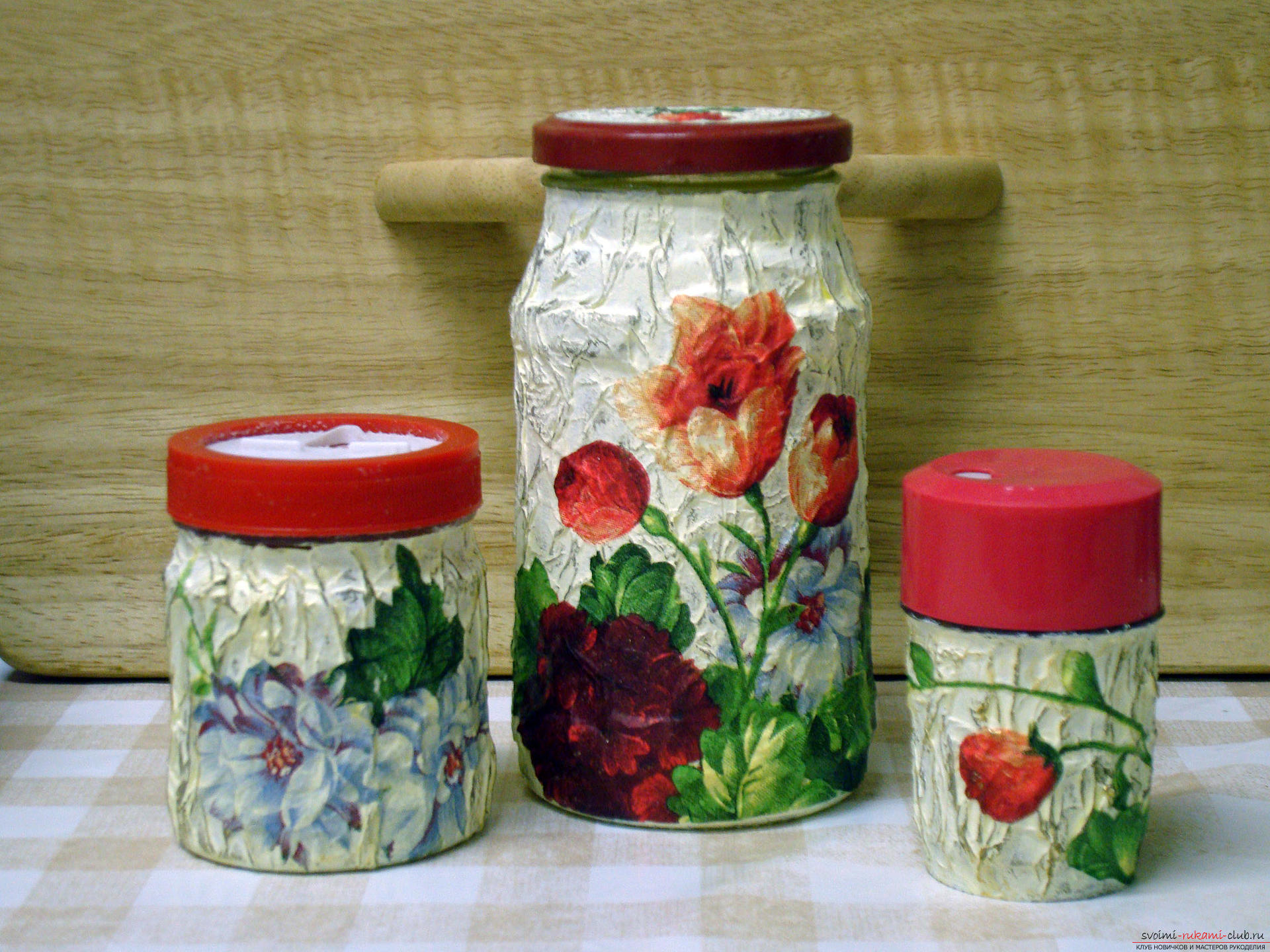 Beautiful and elegant decoupage of banks with their own hands: a master class of decoupage on glass. Photo # 2