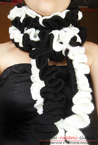 Crochet beautiful and original scarves. Picture №3
