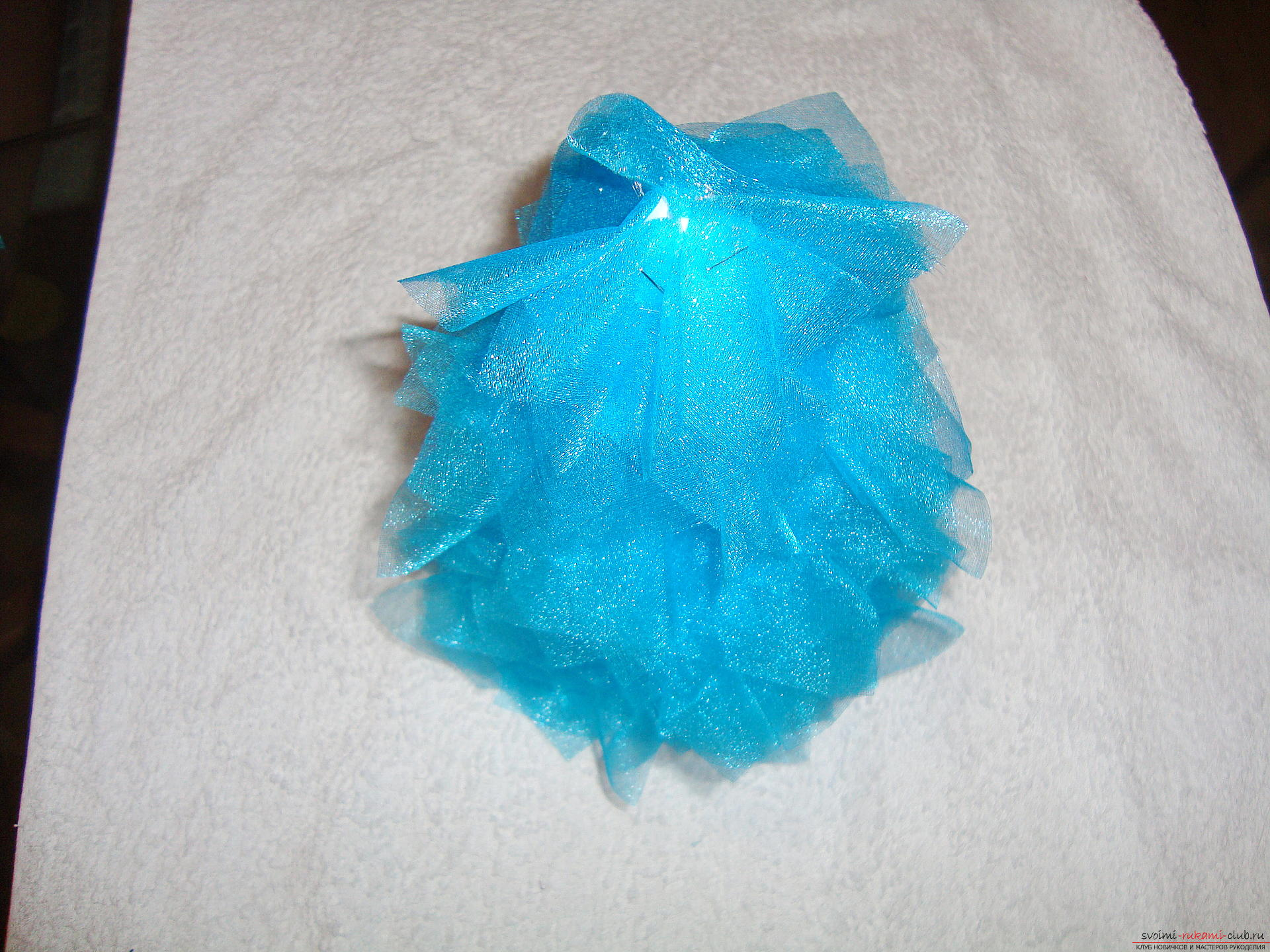 How to make a Christmas tree with your own hands from organza? this New Year's hand-made article is easily created from easily material with the help of a stapler and glue, it will perfectly suit the gift of 2016. Photo №14