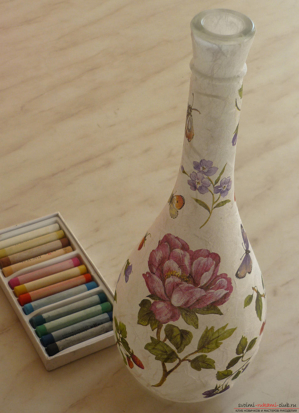 How to do decoupage bottles with rice paper. Picture №3