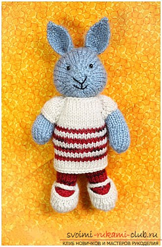 We knit a bunny with knitting needles. Photo №1