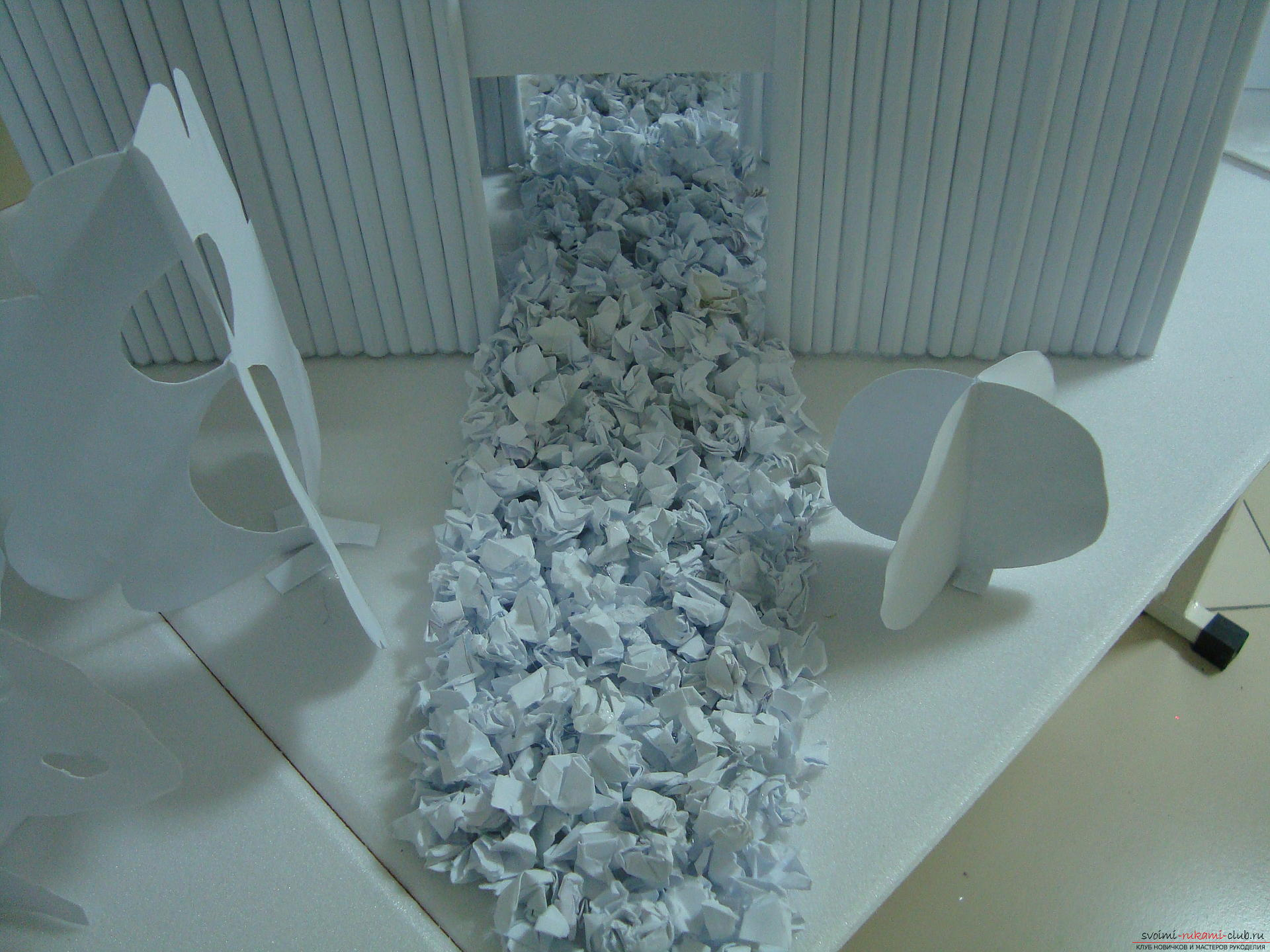 This master class with a photo will teach you how to make a house of paper with your own hands .. Photo # 5