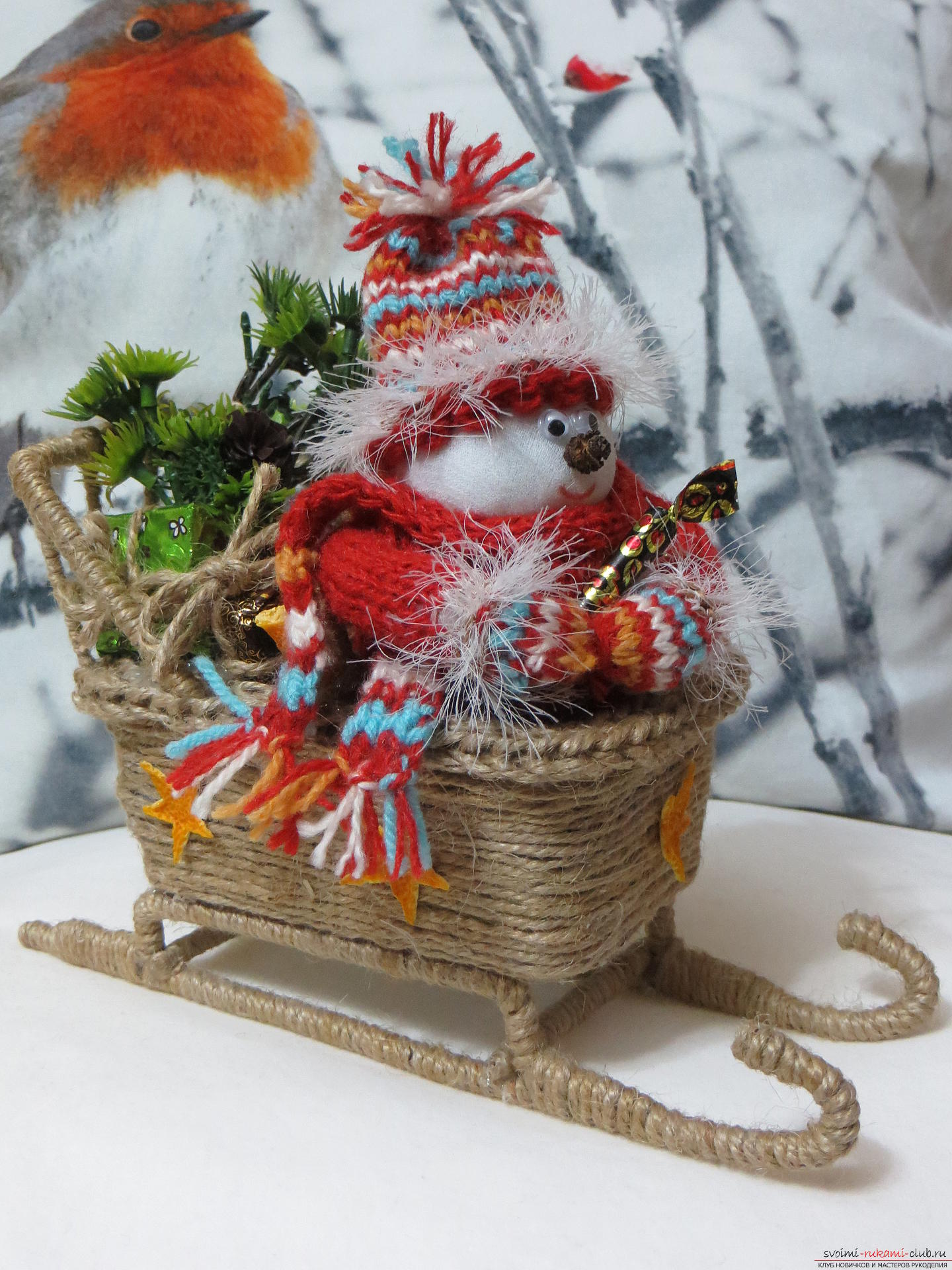 New Year is a wonderful holiday, when the time of miracles comes. New Year's crafts adorn the house and bring joy to the children, because a New Year snowman with gifts will bring the best candies .. Photo №1