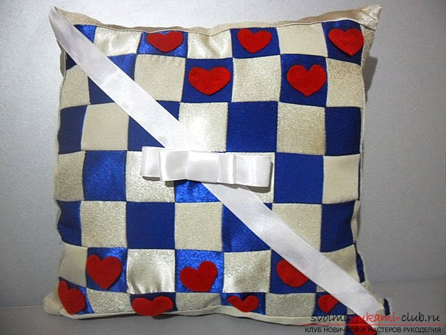 Pillow in patchwork technique. Photo number 12