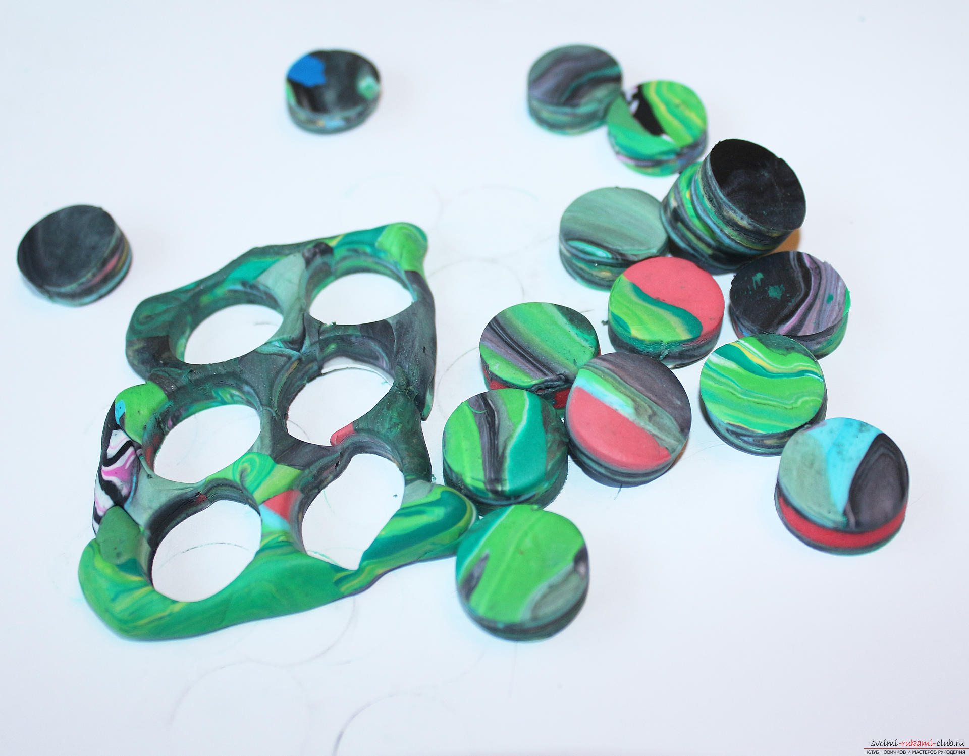 This detailed master class contains technique for working with polymer clay and will teach how to create beads from polymer clay .. Photo # 18