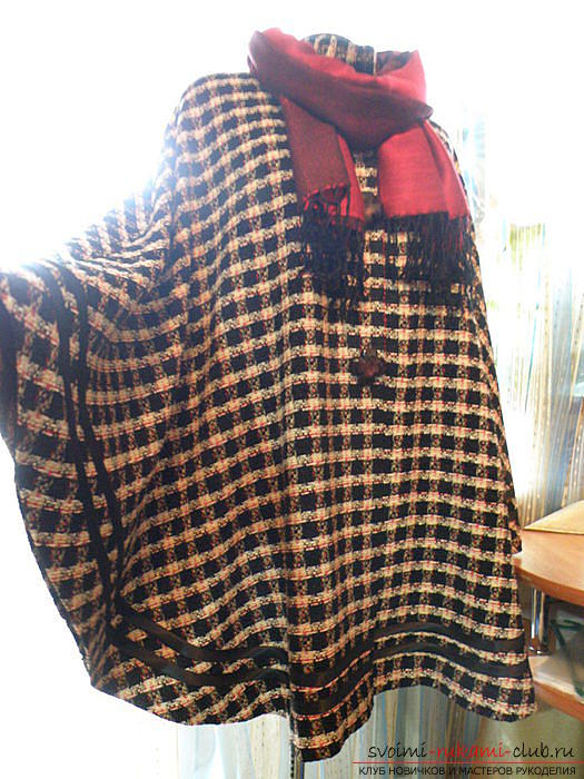 Simple capes from a circle of fabric. Photo №4