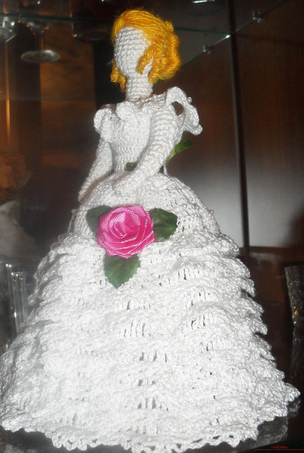 The idea for handicrafts with your own hands is a crocheted bride doll. Photo # 2