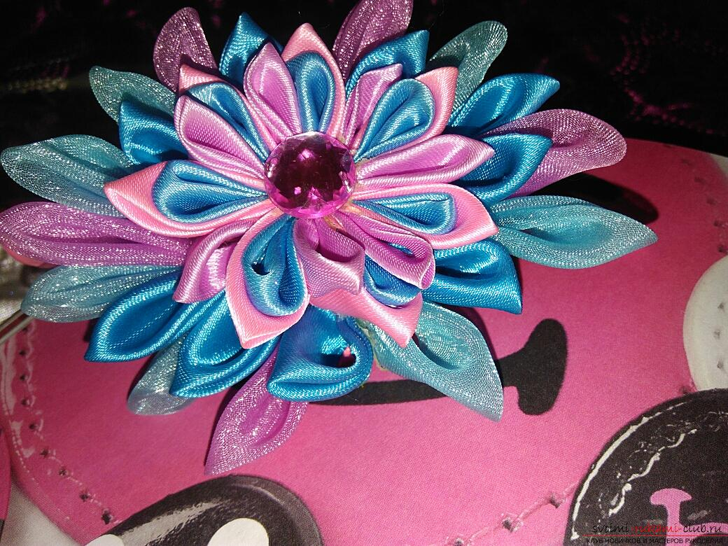 Kanzashi: a hairpin in the shape of a lotus. Photo №1