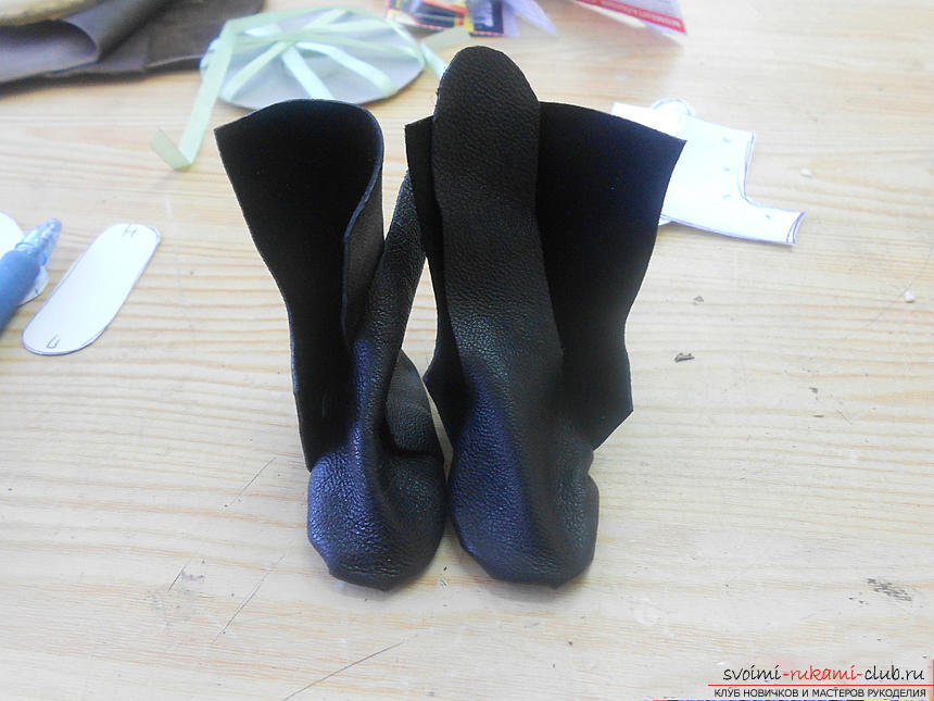 Building a pattern of shoes for the doll and making them .. Photo # 16