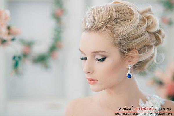 How to perform a beautiful wedding dress on medium hair with your own hands. Photo №4
