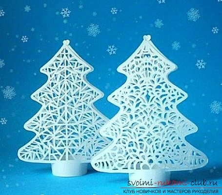 photo examples of the process of making an openwork Christmas tree made of paper. Photo №1
