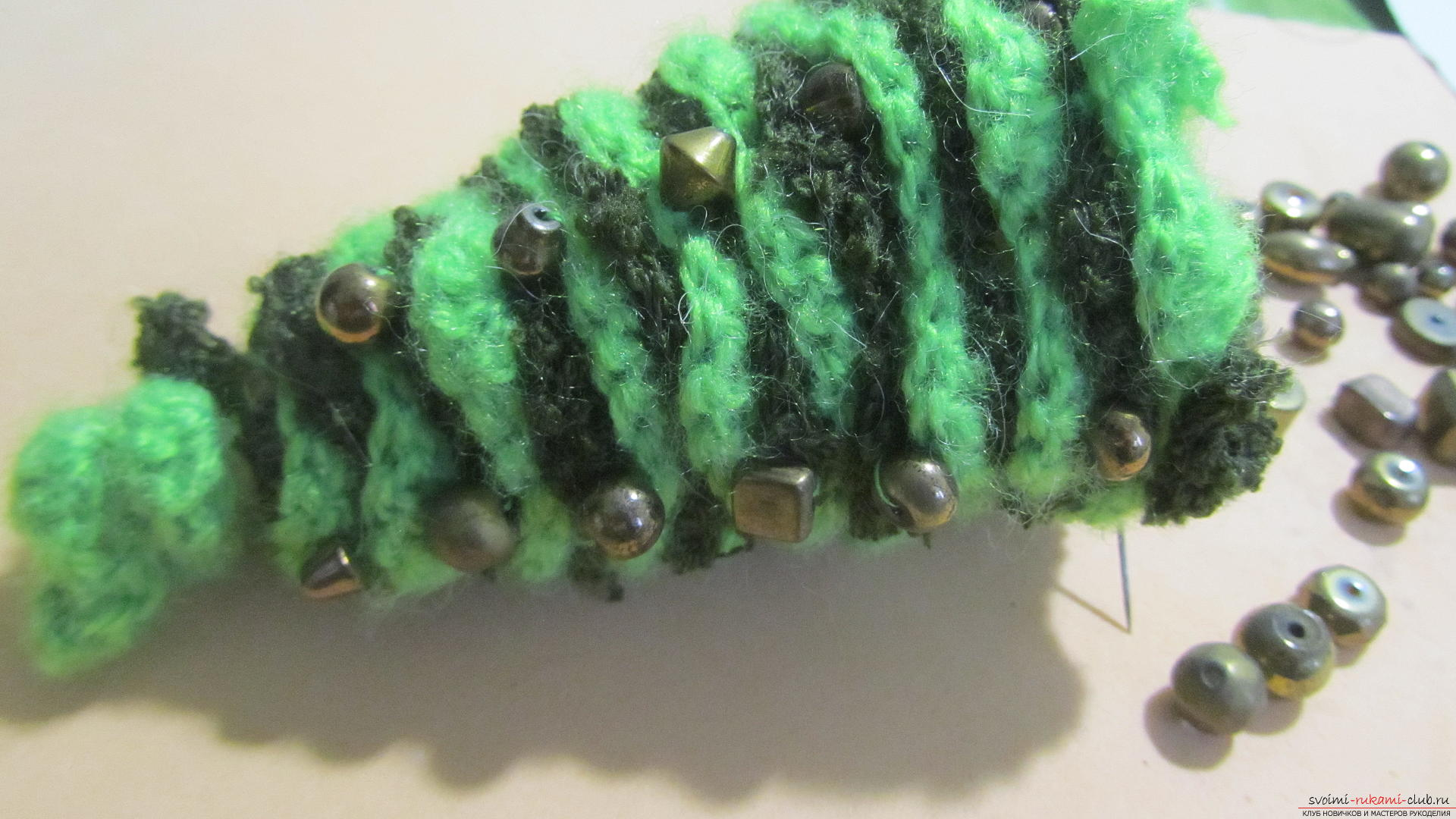 The master class will teach you how to make an original New Year's craft - a crocheted Christmas tree. Photo Number 19
