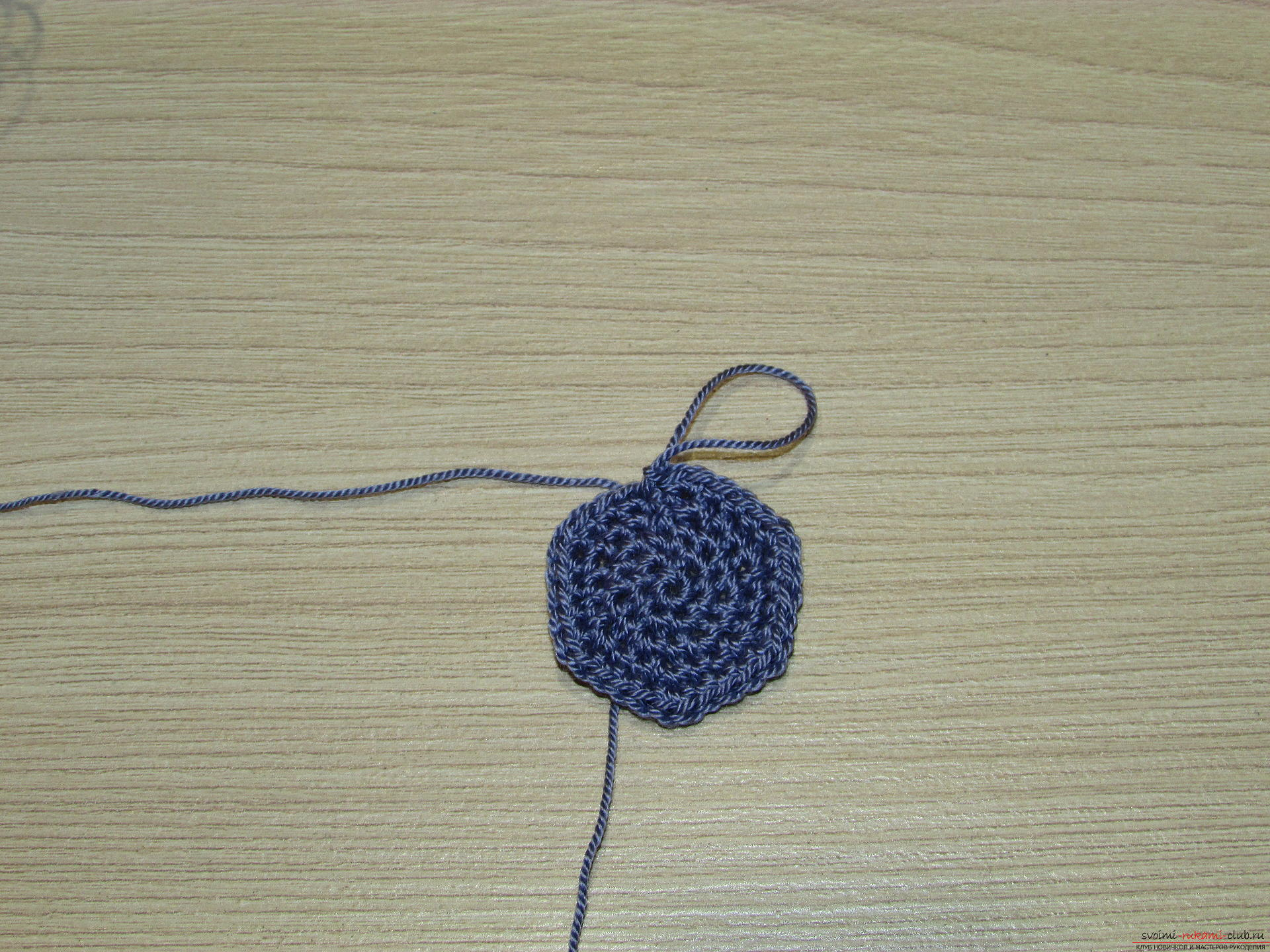 This master class on crochet will teach you how to make a heart charm with your own hands .. Photo # 2