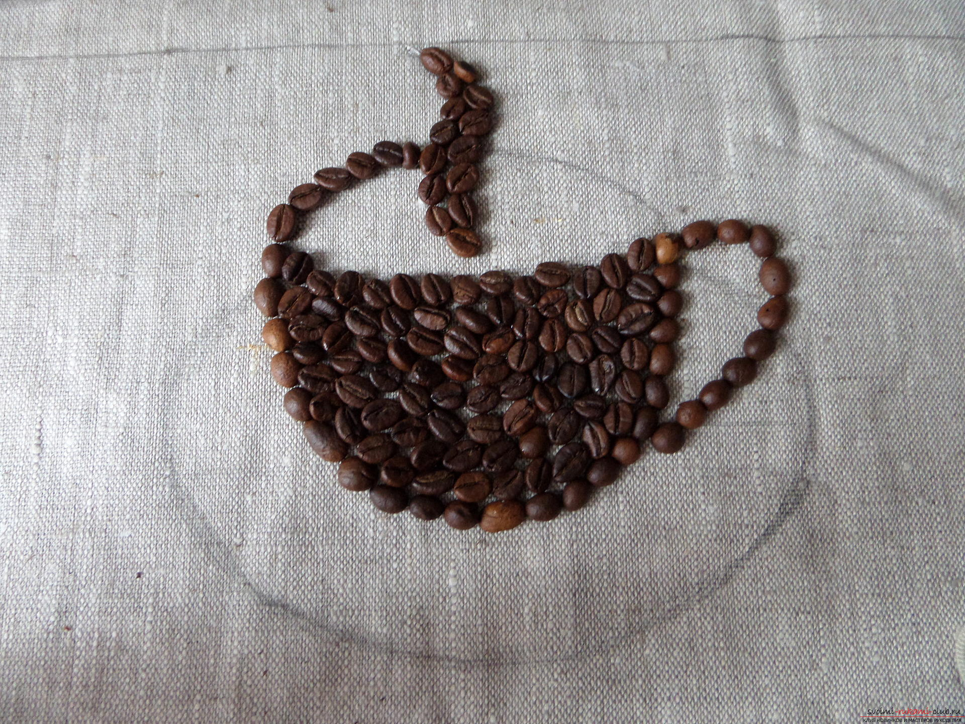 This master class with a photo and description will teach you how to make coffee pictures of coffee beans for the kitchen .. Photo # 27