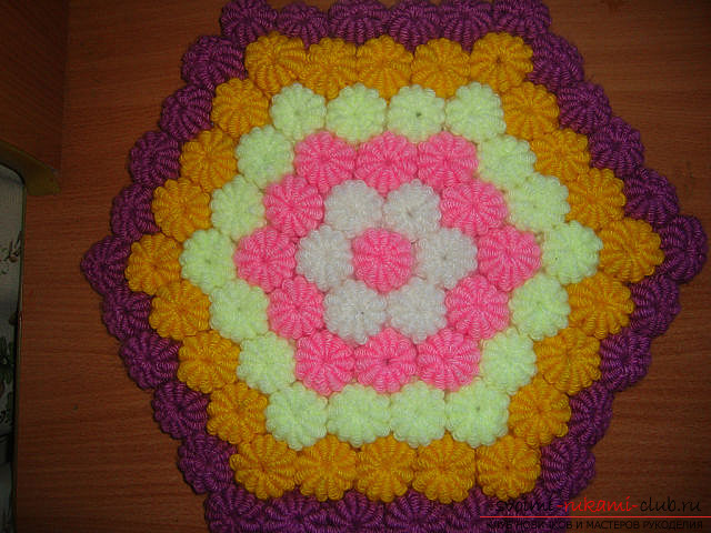 crocheted mat of pampushes. Photo №1