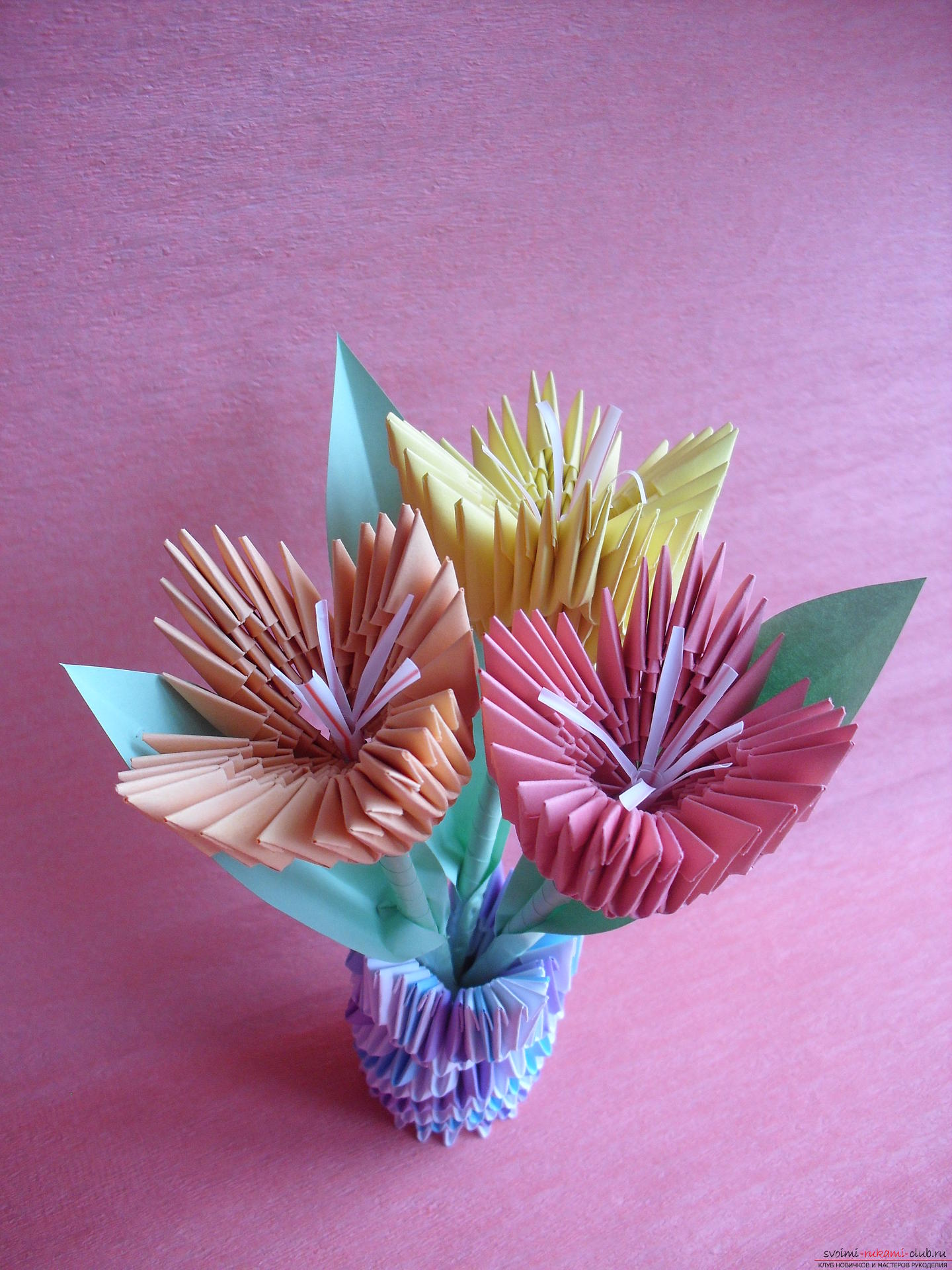 This master class will teach you how to make a vase with tulips made of paper in the technique of modular origami .. Photo # 27