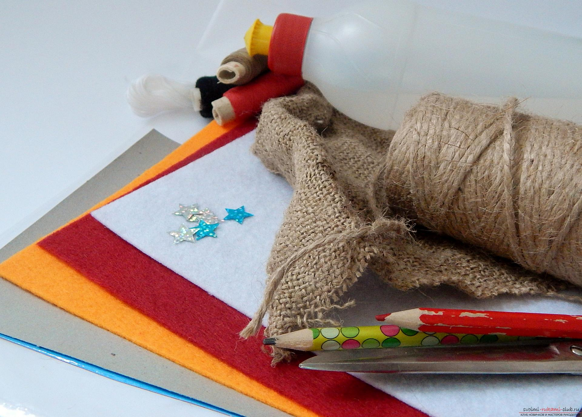A master class with step-by-step photos will teach you how to make a snowman from felt. Photo №1