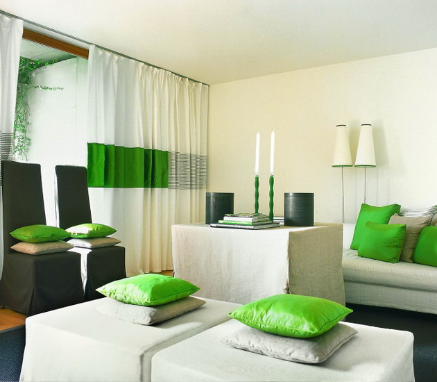 For small rooms: a combination of white and vibrant green details
