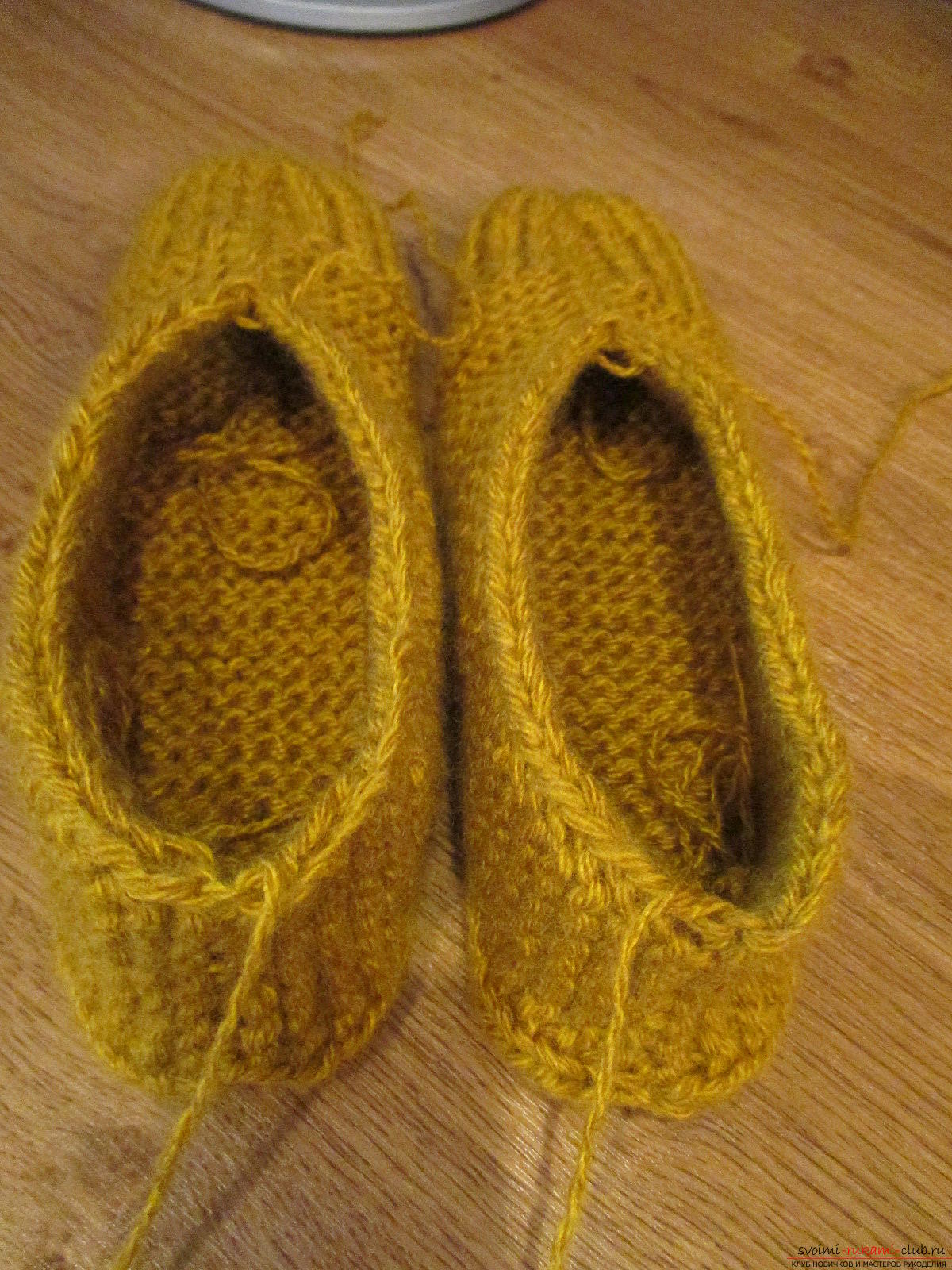 This master class in knitting slippers will teach you how to knit warm and cozy slippers with knitting needles .. Photo # 16