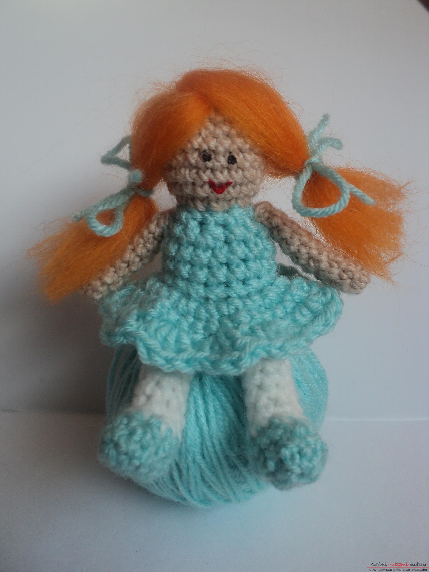 This detailed master class of crocheting toys will teach you how to tie a doll with your own hands .. Photo # 12