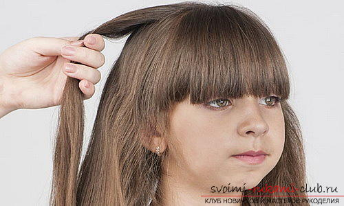 We learn to make beautiful hairstyles for medium hair for girls with our own hands. Photo number 16