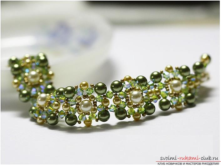 How to weave beautiful beads, detailed instructions, description and step-by-step photos for beginners in beadwork. Photo number 17