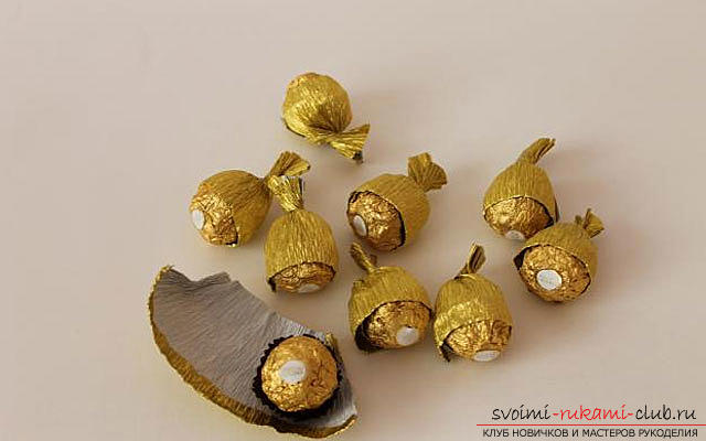 How to make a bouquet of chocolates with your own hands, several detailed master classes in the style of suite design, step-by-step photos and a detailed description of the work. Picture №34