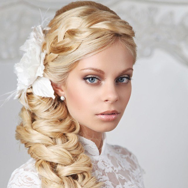 Wedding hairstyles for long hair. Photo №1