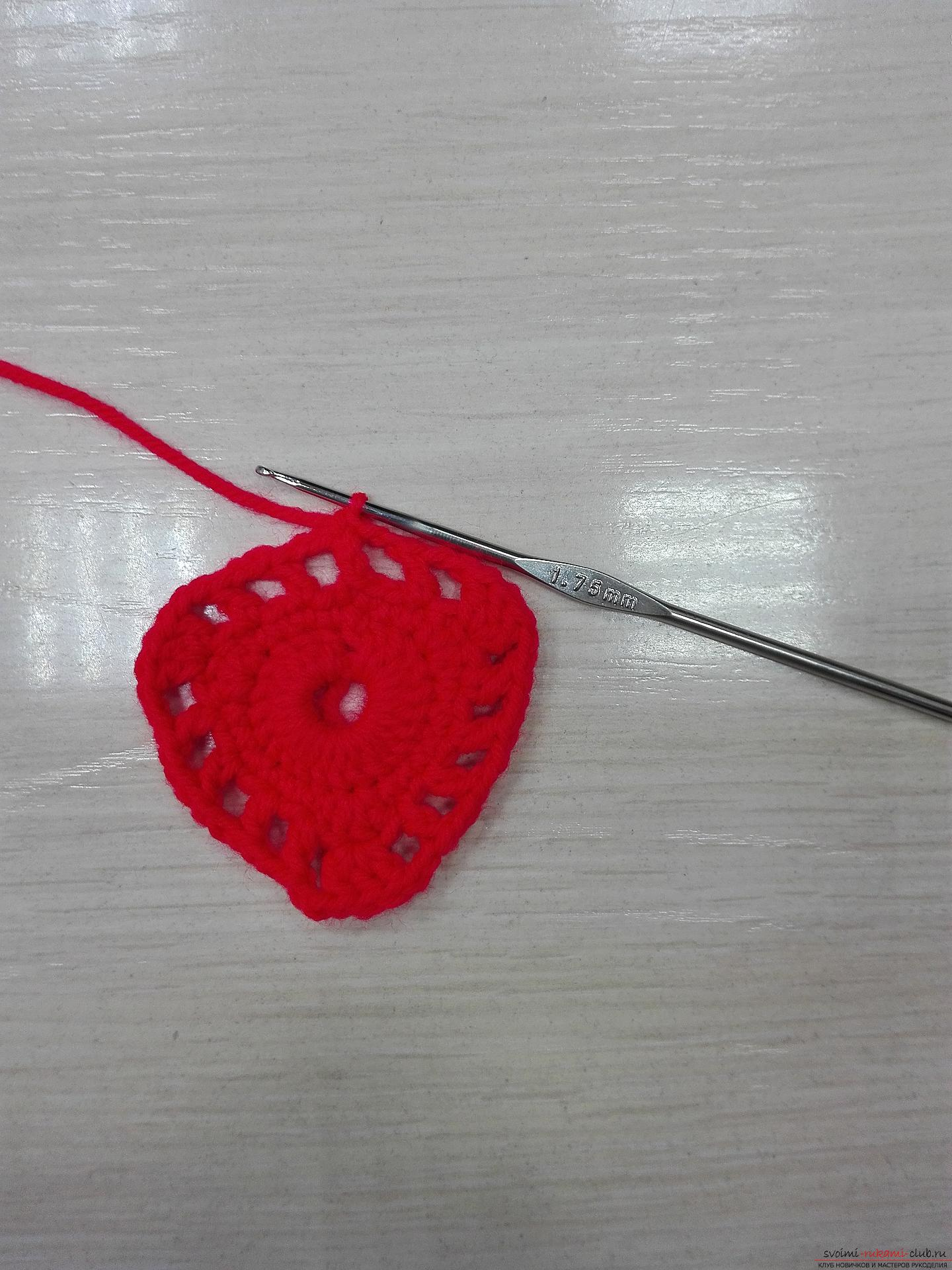 This master class will teach you how to crochet a napkin in the form of a heart for Valentine's Day. Photo №6