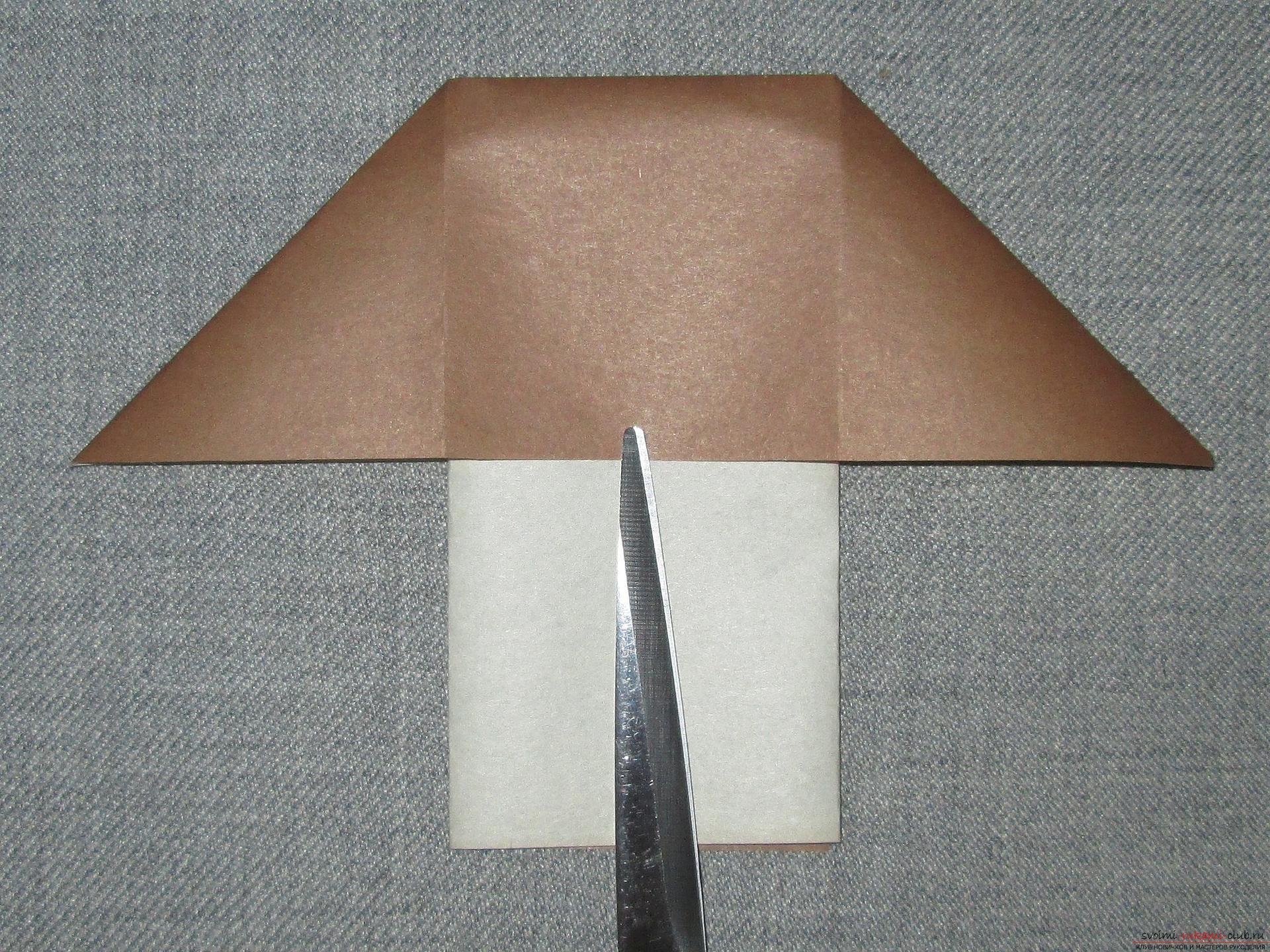 Deze gedetailleerde workshop van origami voor kinderen van 8 jaar leert hoe je een origami-paddestoel van papier kunt maken. Foto # 8