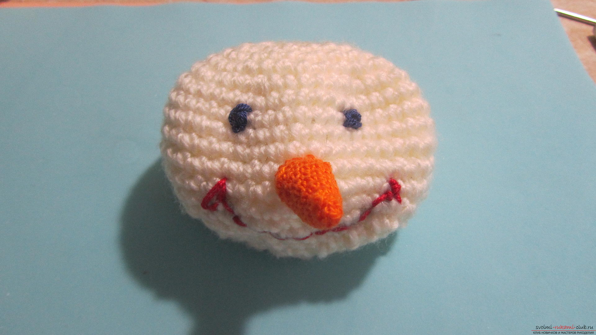 The master class will tell you how to create a New Year's craft - a crocheted snowman Stepu. Photo №59