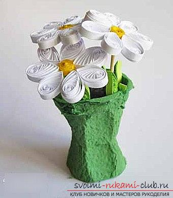 Quilling a bouquet in a flower pot with your hands - a step-by-step master class. Photo №6
