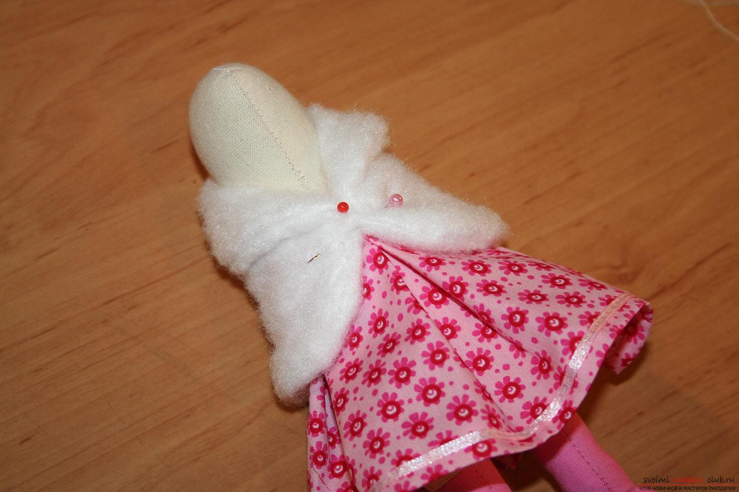 A master class on the creation of a New Year's doll will help to make a hare to Tilda with his own hands. Photo №38