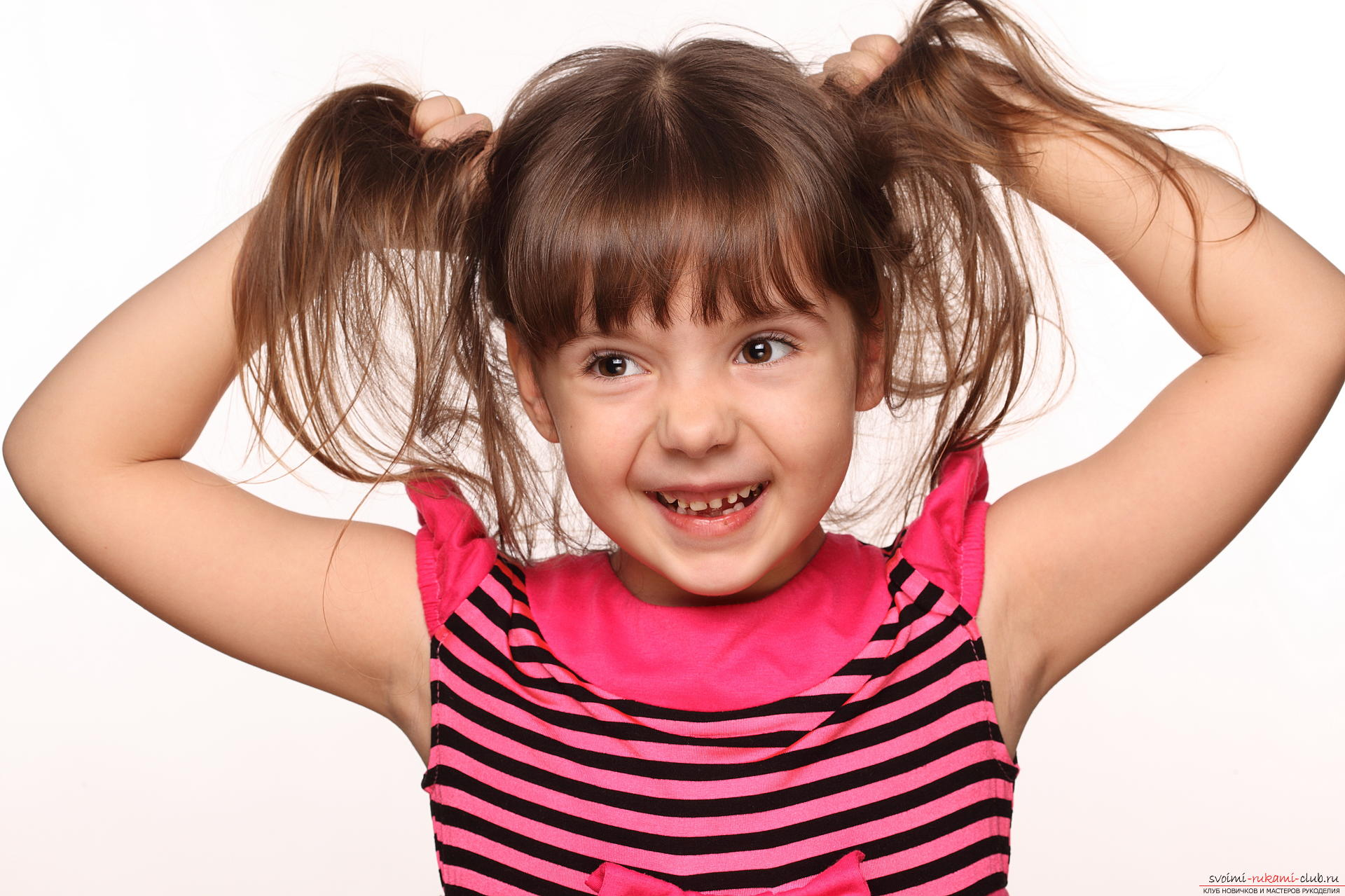 Not complicated hairstyles for little girls. Photo №1