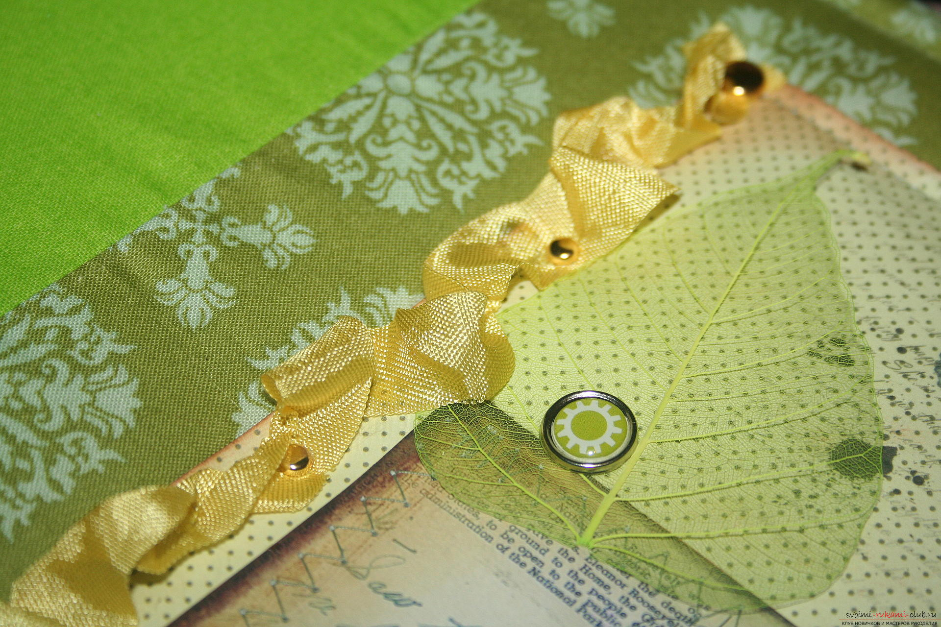 This master class will teach you how to make an original gift for the New Year - scrapbooking notebook. Picture №31