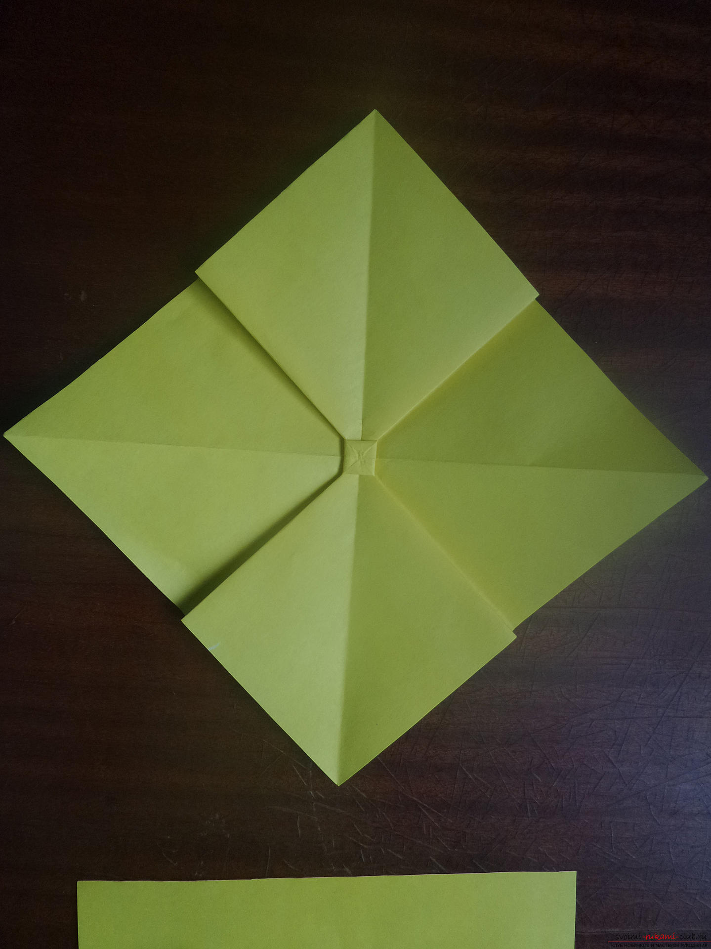 This master class is intended for those who want to learn how to do their own hands with an origami bow. Photo Number 19