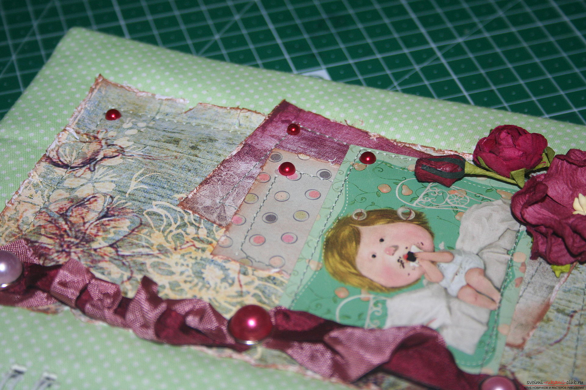 This master class will teach you how to create a notebook using scrapbooking techniques. Photo number 16