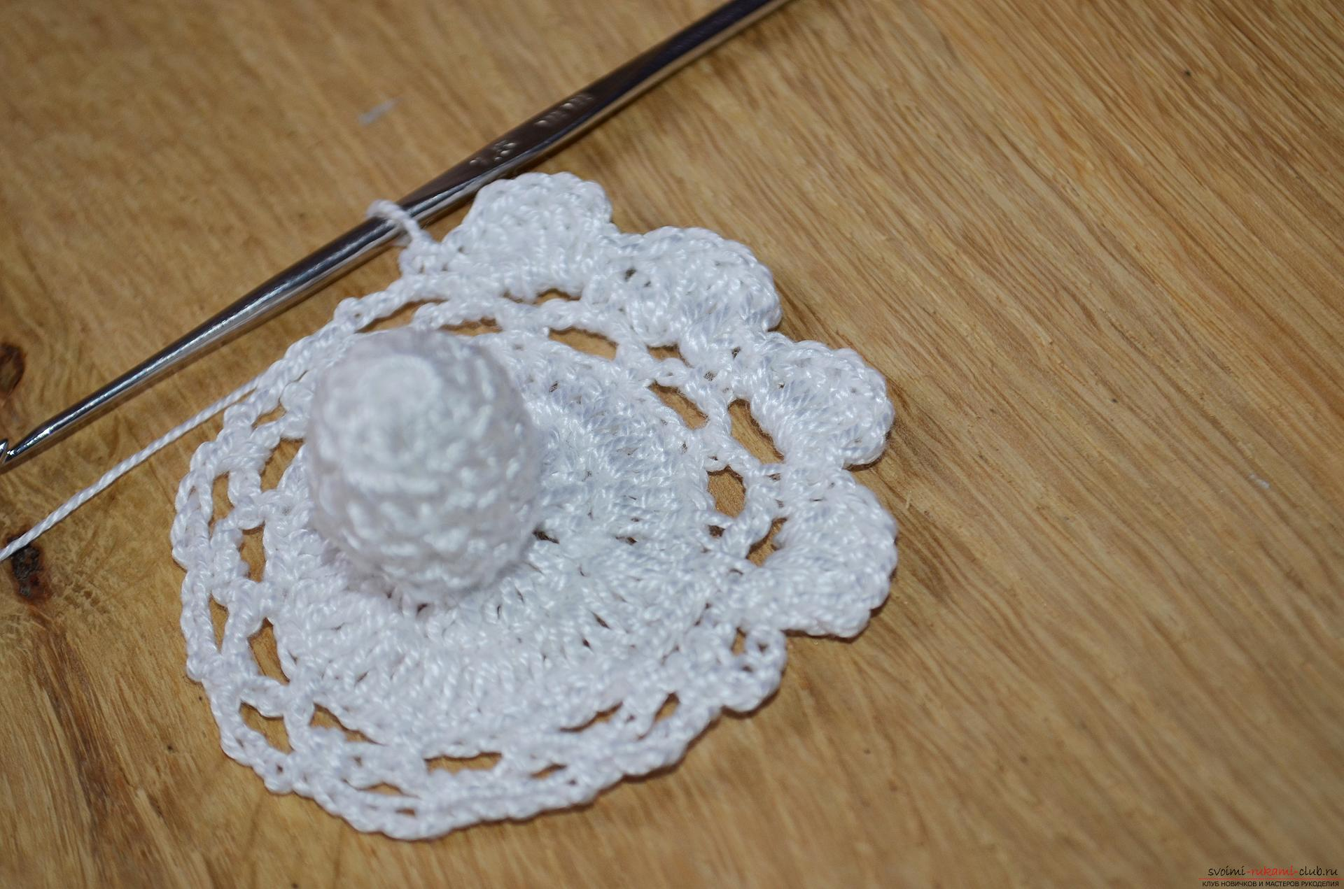 Photo to a lesson on crochet