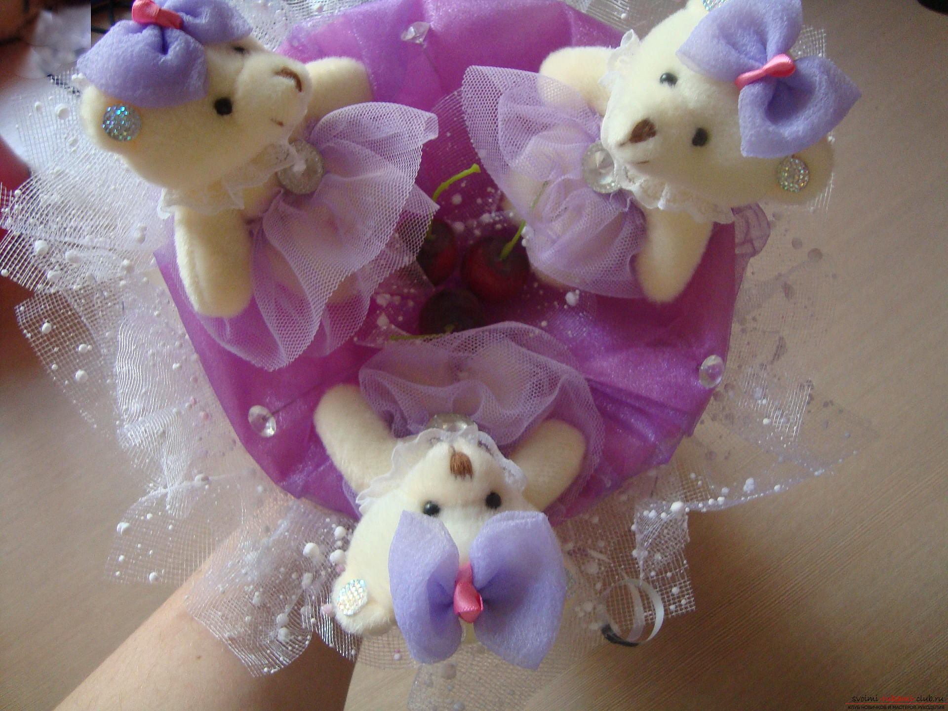Photo to the lesson on the creation of a bouquet of soft toys. Photo №1